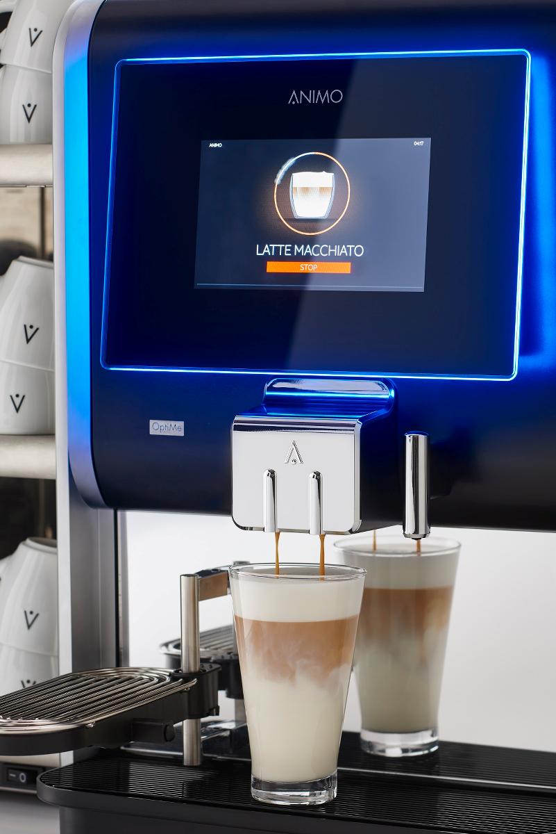 Maak een latte macchiato met een druk op de knop